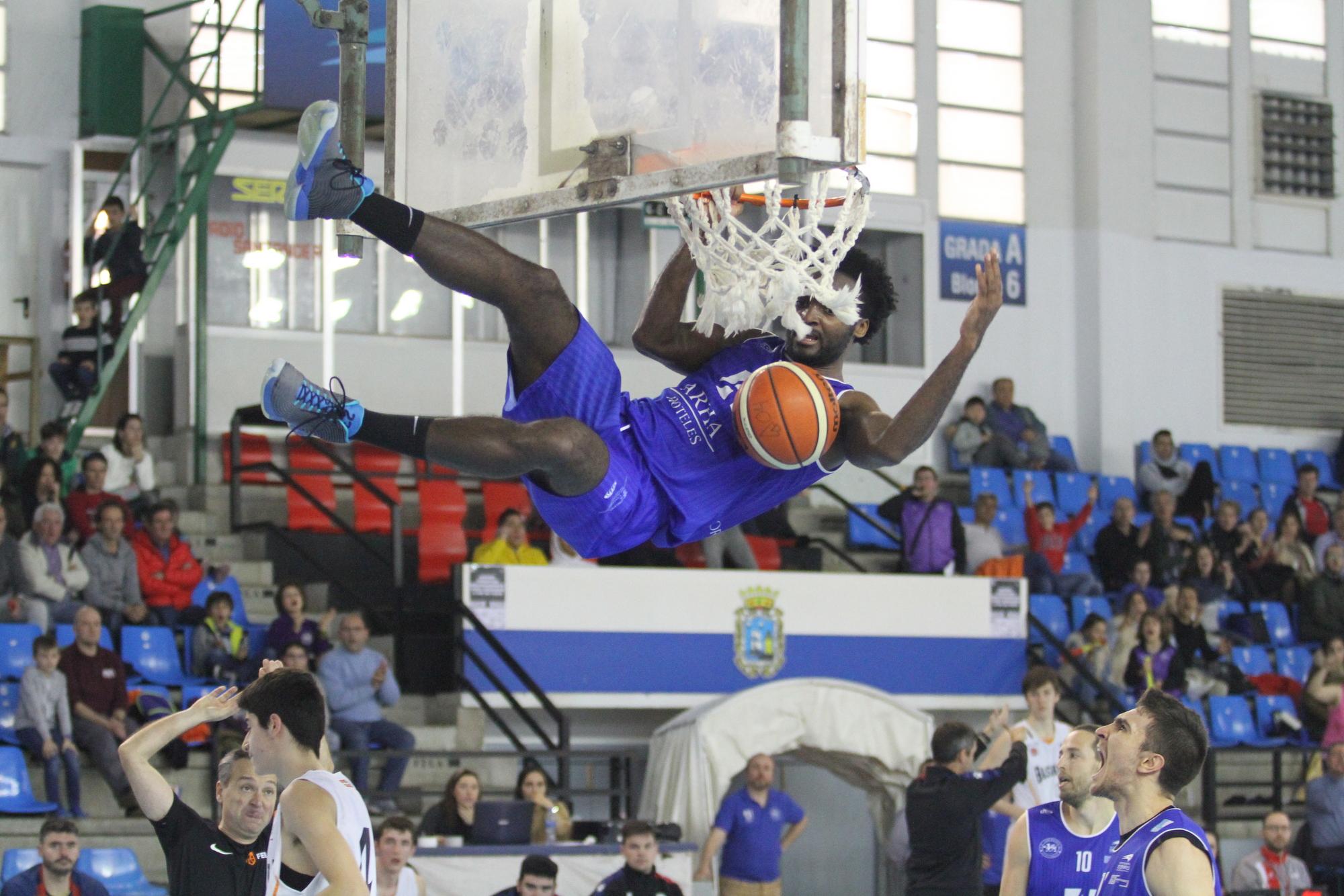 Mate de Nelson Yengue (Cantbasket)