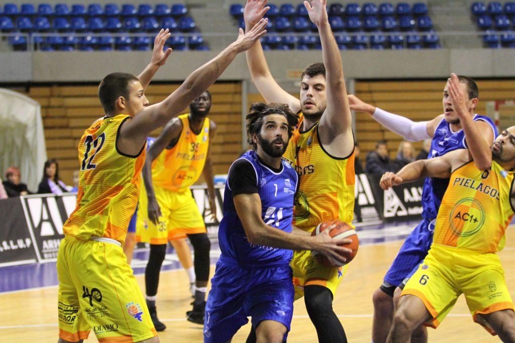 Guillermo Teja, jugador de Cantbasket.